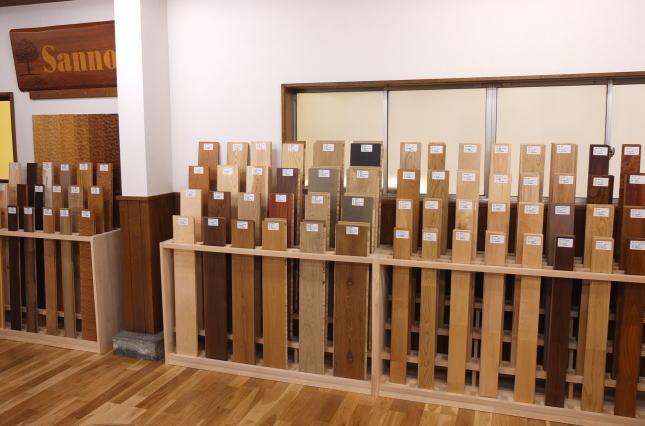 フローリングサンプルの展示棚